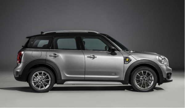 MINI partners with Electric Vehicle Experience Centre