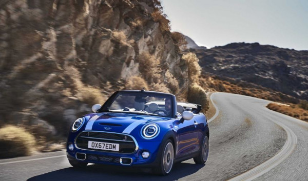 MINI Convertible wins Carbuyer's Best Convertible 2020